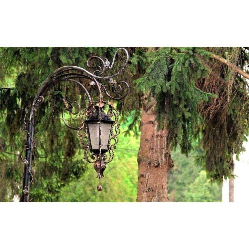 Как выбрать уличные подвесные фонари для дачи?